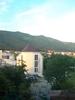 Вид из окна дома на горы